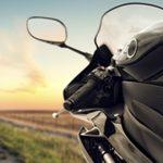 Indemnizacion a un motorista en accidente sin llevar el casco